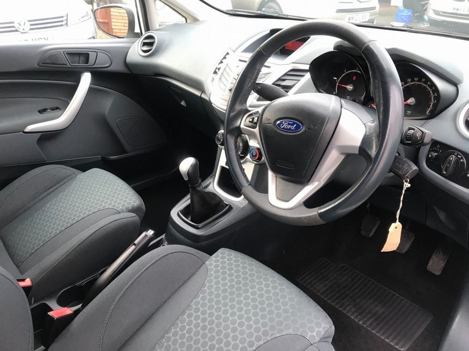 2009 Ford Fiesta 1.6 TDCi Zetec S 3dr - Picture 14 of 26