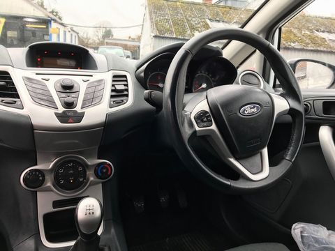 2009 Ford Fiesta 1.6 TDCi Zetec S 3dr - Picture 15 of 28
