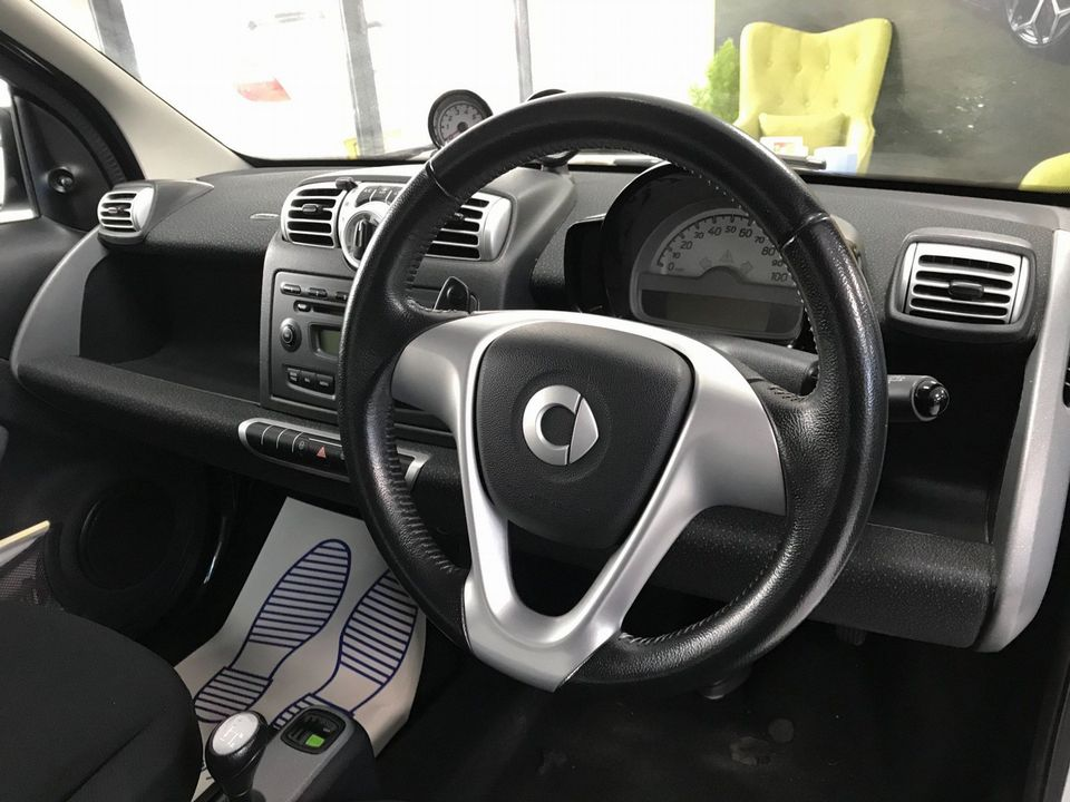 2009 Smart fortwo 1.0 MHD Pulse 2dr - Picture 12 of 31