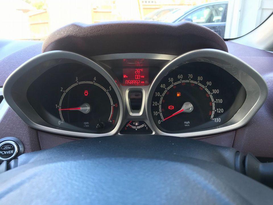 2009 Ford Fiesta 1.4 Titanium 5dr - Picture 21 of 32