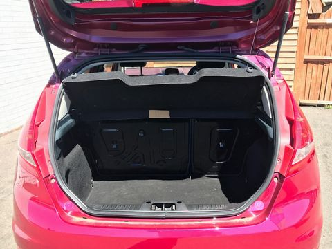 2009 Ford Fiesta 1.4 Titanium 5dr - Picture 11 of 33