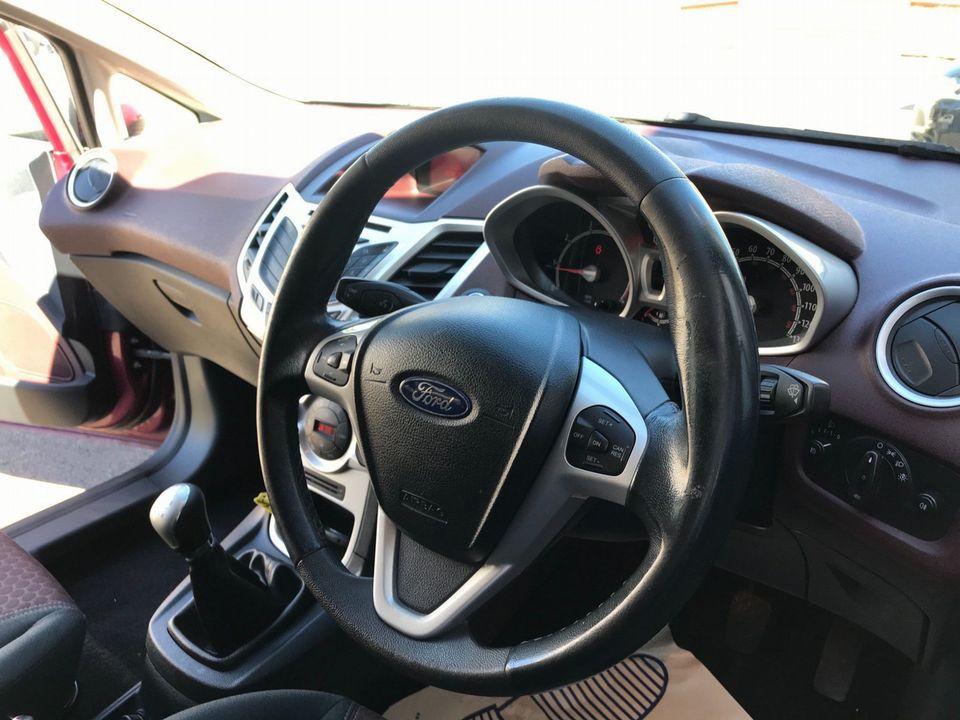 2009 Ford Fiesta 1.4 Titanium 5dr - Picture 13 of 33