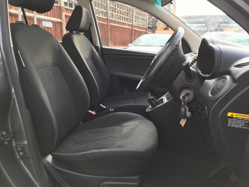2011 Hyundai i10 1.2 Style 5dr - Picture 26 of 34