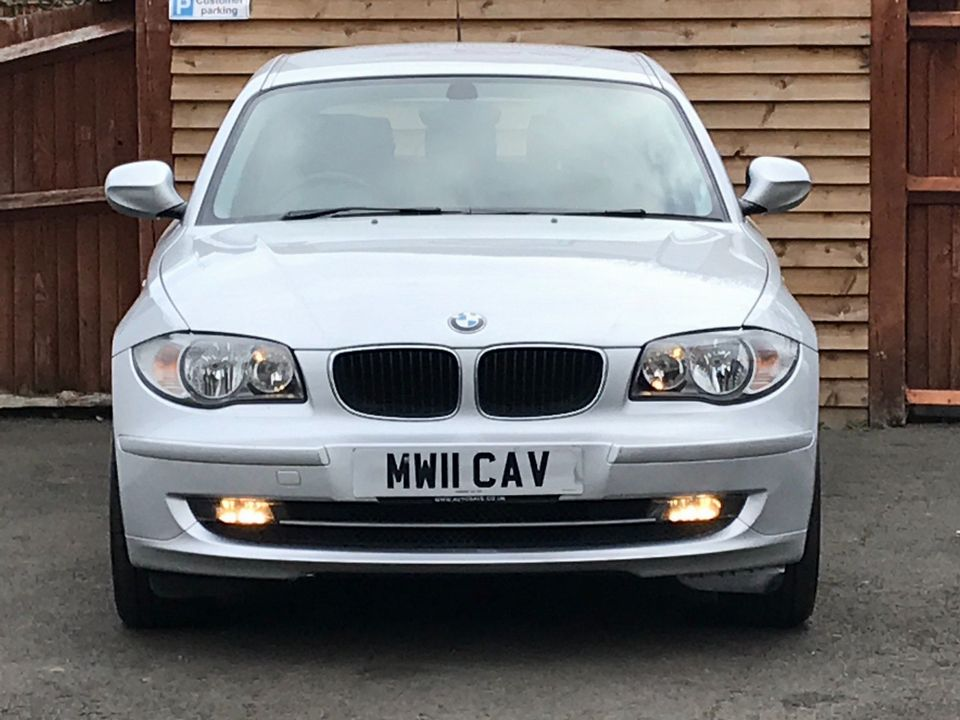 2011 BMW 1 Series 2.0 116i Sport 5dr - Picture 3 of 28