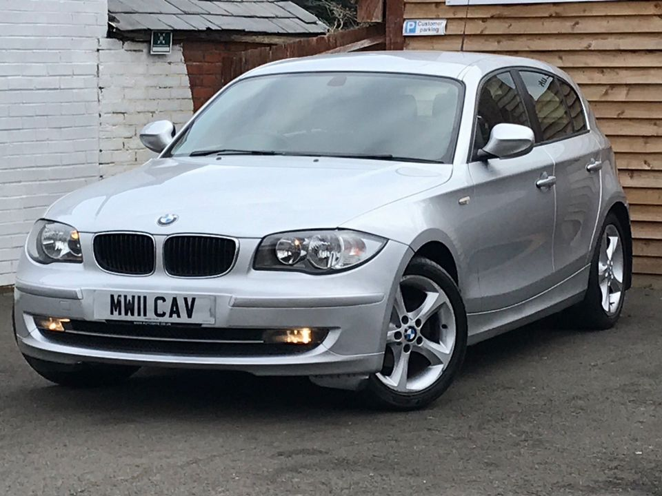 2011 BMW 1 Series 2.0 116i Sport 5dr - Picture 5 of 31