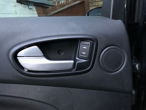 2010 Ford S-Max 2.0 TDCi Titanium 5dr - Picture 28 of 32