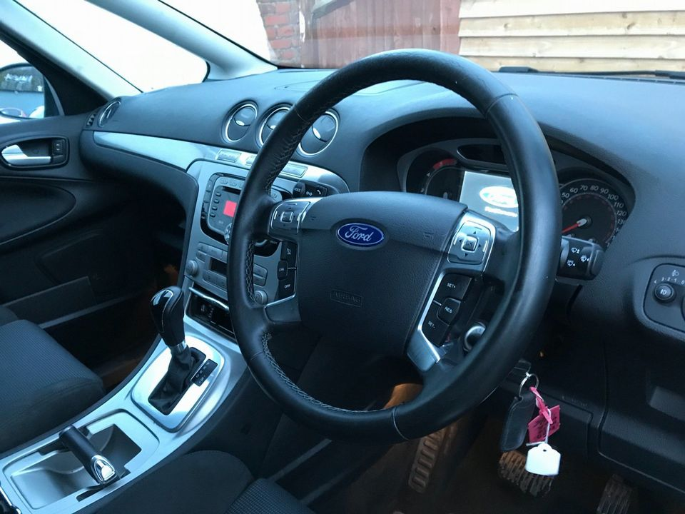 2010 Ford S-Max 2.0 TDCi Titanium 5dr - Picture 11 of 32