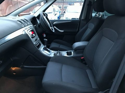 2010 Ford S-Max 2.0 TDCi Titanium 5dr - Picture 14 of 32