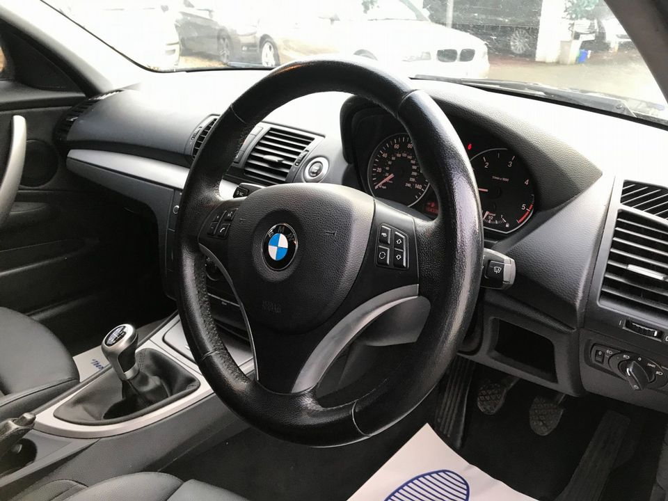 2010 BMW 1 Series 2.0 116d Sport 5dr - Picture 13 of 33