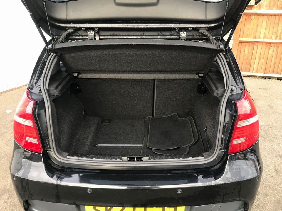 2010 BMW 1 Series 2.0 116d Sport 5dr - Picture 10 of 33