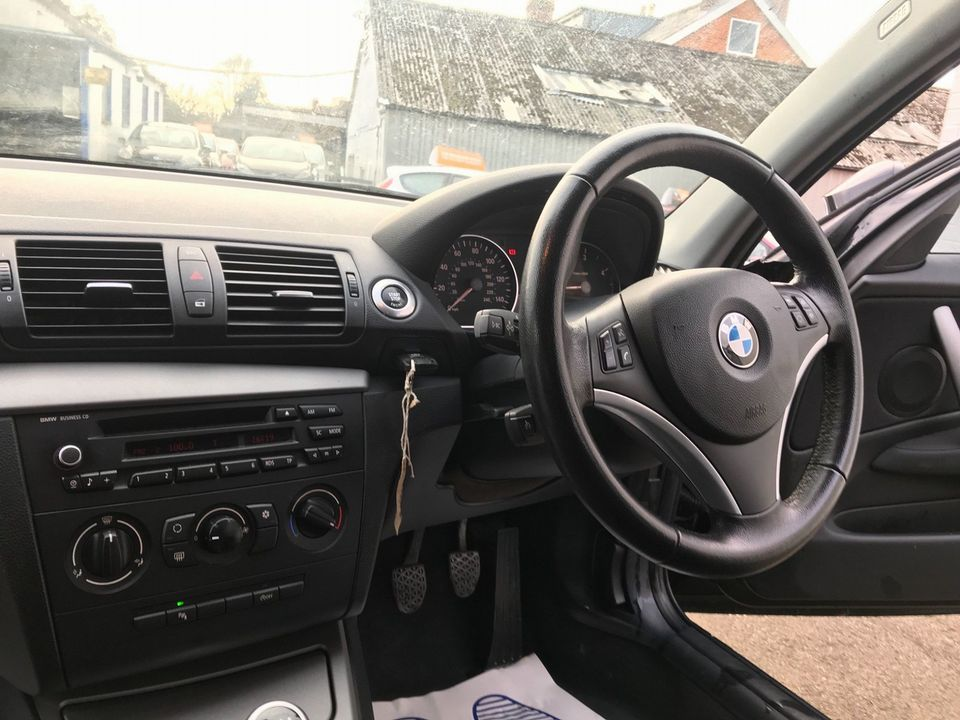2010 BMW 1 Series 2.0 116d Sport 5dr - Picture 12 of 33