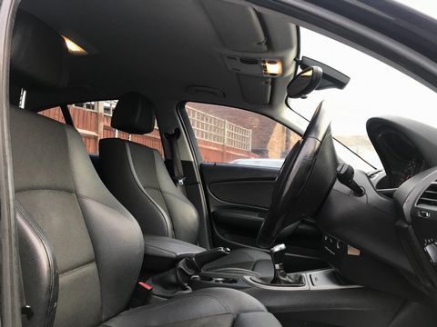 2010 BMW 1 Series 2.0 116d Sport 5dr - Picture 14 of 33