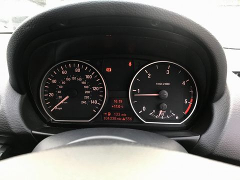 2010 BMW 1 Series 2.0 116d Sport 5dr - Picture 21 of 33