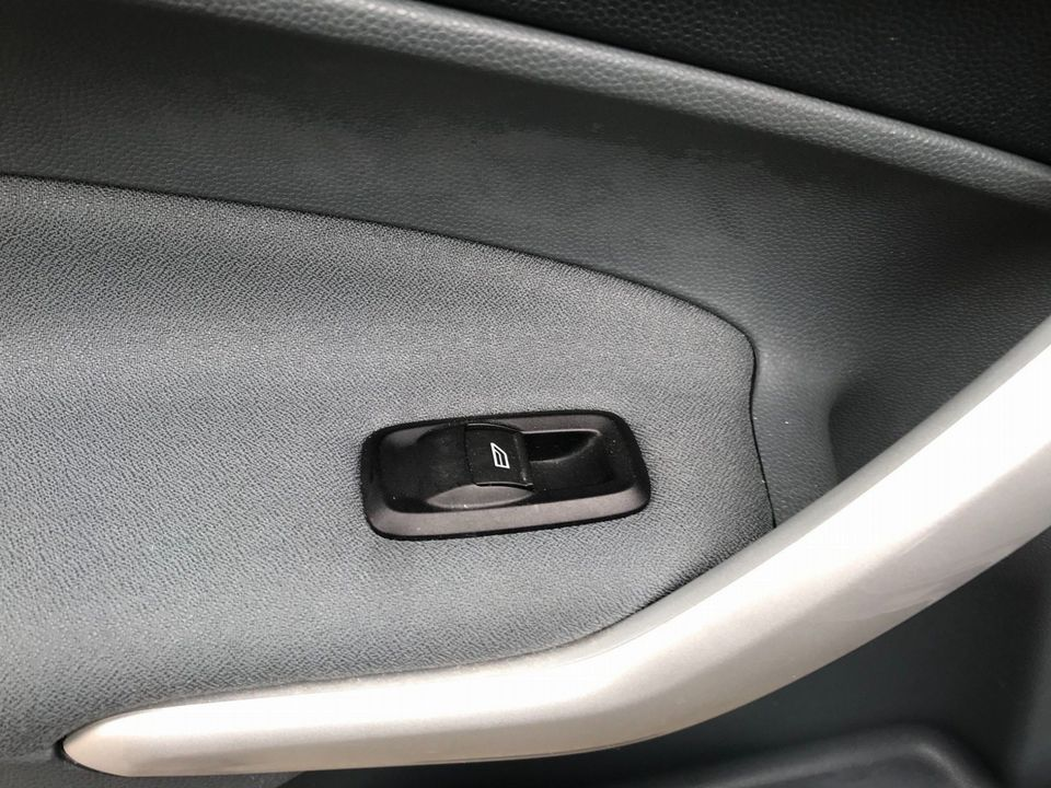 2010 Ford Fiesta 1.4 Zetec 5dr - Picture 25 of 27