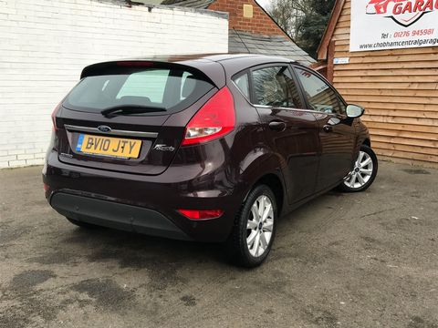 2010 Ford Fiesta 1.4 Zetec 5dr - Picture 5 of 27