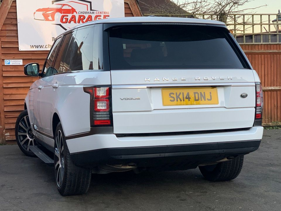 2014 Land Rover Range Rover 3.0 TD V6 Vogue 4X4 (s/s) 5dr - Picture 10 of 51