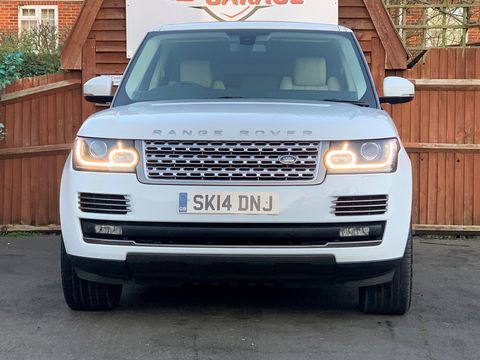 2014 Land Rover Range Rover 3.0 TD V6 Vogue 4X4 (s/s) 5dr - Picture 3 of 51