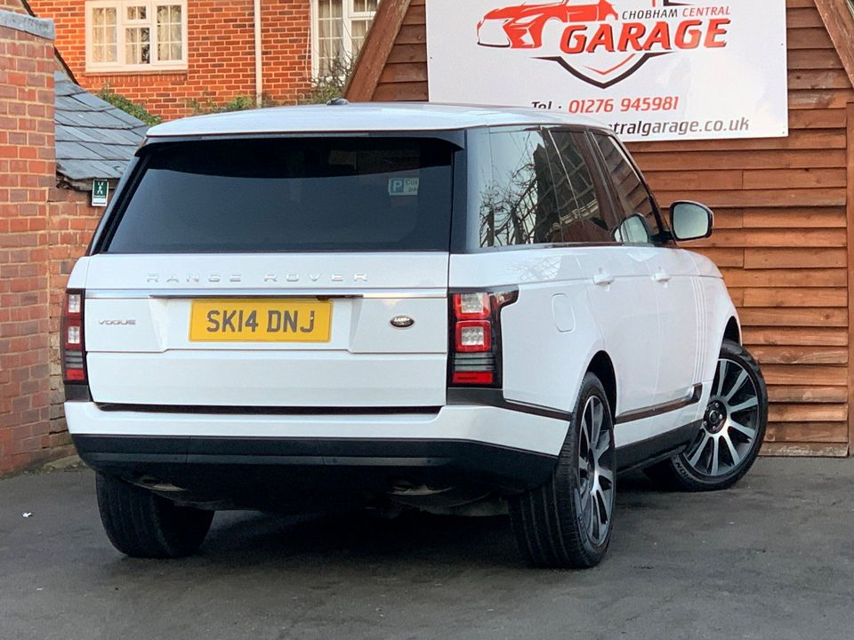 2014 Land Rover Range Rover 3.0 TD V6 Vogue 4X4 (s/s) 5dr - Picture 8 of 51