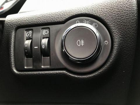 2015 Vauxhall Astra 1.6 CDTi ecoFLEX Design Sport Tourer (s/s) 5dr - Picture 25 of 32
