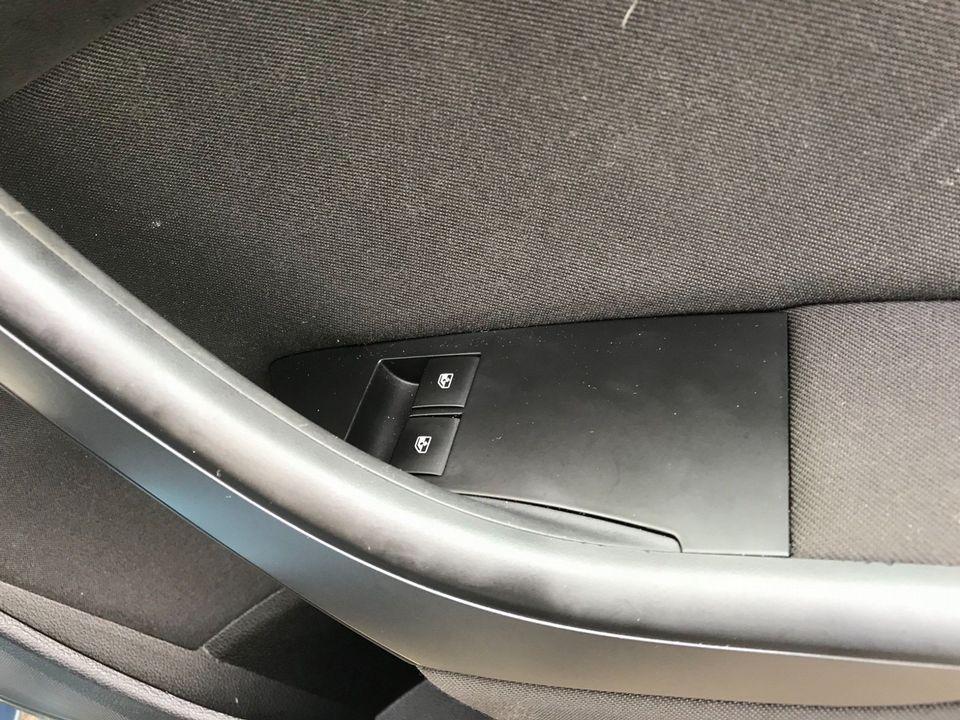 2015 Vauxhall Astra 1.6 CDTi ecoFLEX Design Sport Tourer (s/s) 5dr - Picture 29 of 32