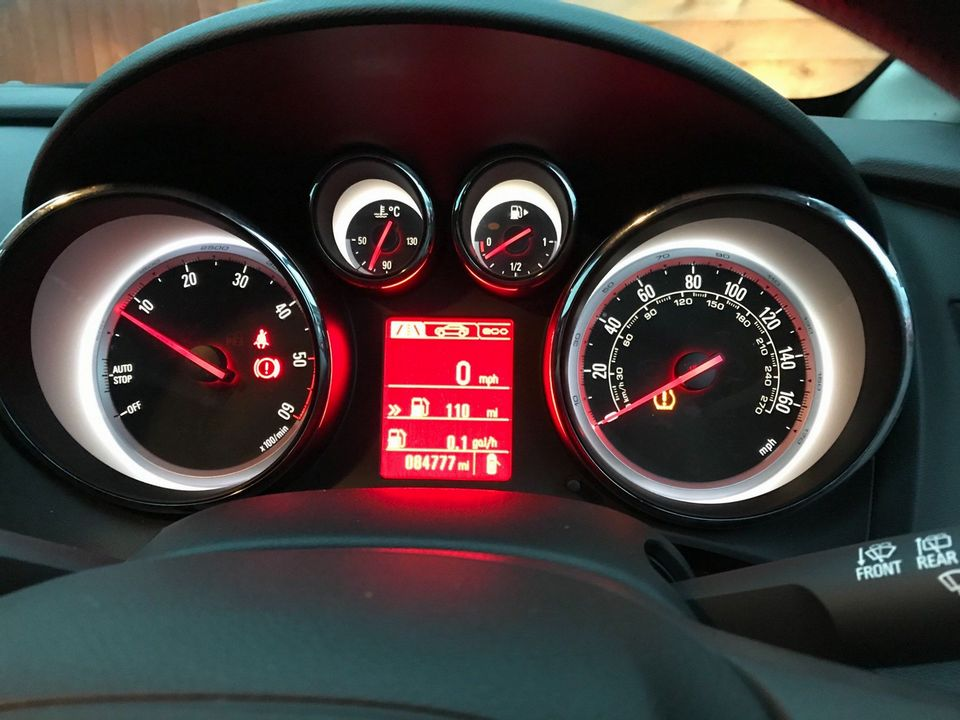 2015 Vauxhall Astra 1.6 CDTi ecoFLEX Design Sport Tourer (s/s) 5dr - Picture 20 of 32