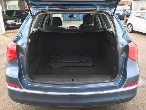 2015 Vauxhall Astra 1.6 CDTi ecoFLEX Design Sport Tourer (s/s) 5dr - Picture 9 of 32
