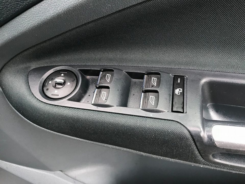 2011 Ford Grand C-Max 1.6 TDCi Zetec 5dr - Picture 26 of 32