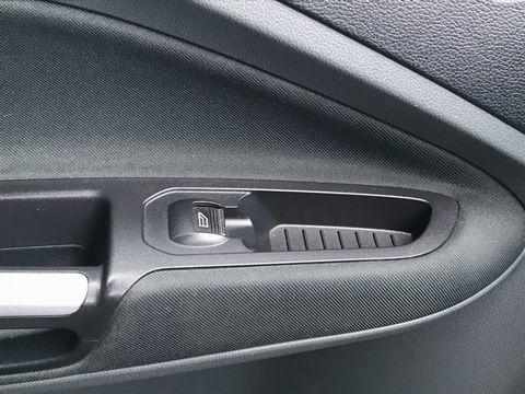 2011 Ford Grand C-Max 1.6 TDCi Zetec 5dr - Picture 27 of 32