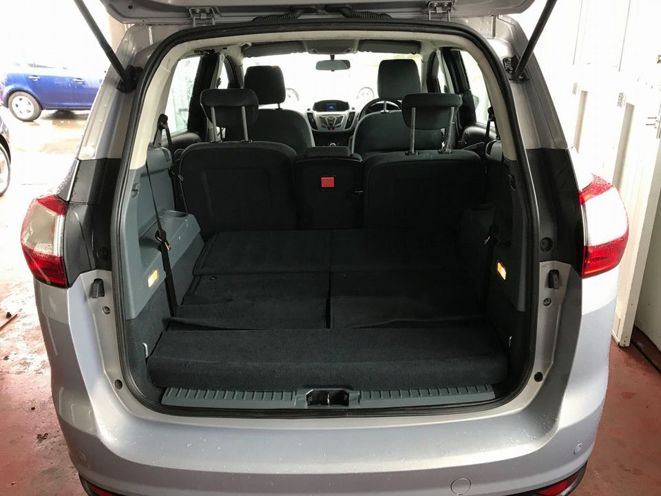 2011 Ford Grand C-Max 1.6 TDCi Zetec 5dr - Picture 9 of 32