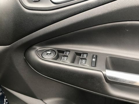 2013 Ford Kuga 2.0 TDCi Titanium 5dr - Picture 31 of 37