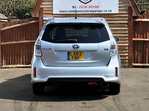 2013 Toyota Prius+ 1.8 VVT-h T4 CVT 5dr (7 Seats) - Picture 6 of 45