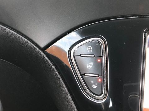 2015 Vauxhall Corsa 1.2i Excite 3dr (a/c) - Picture 26 of 35