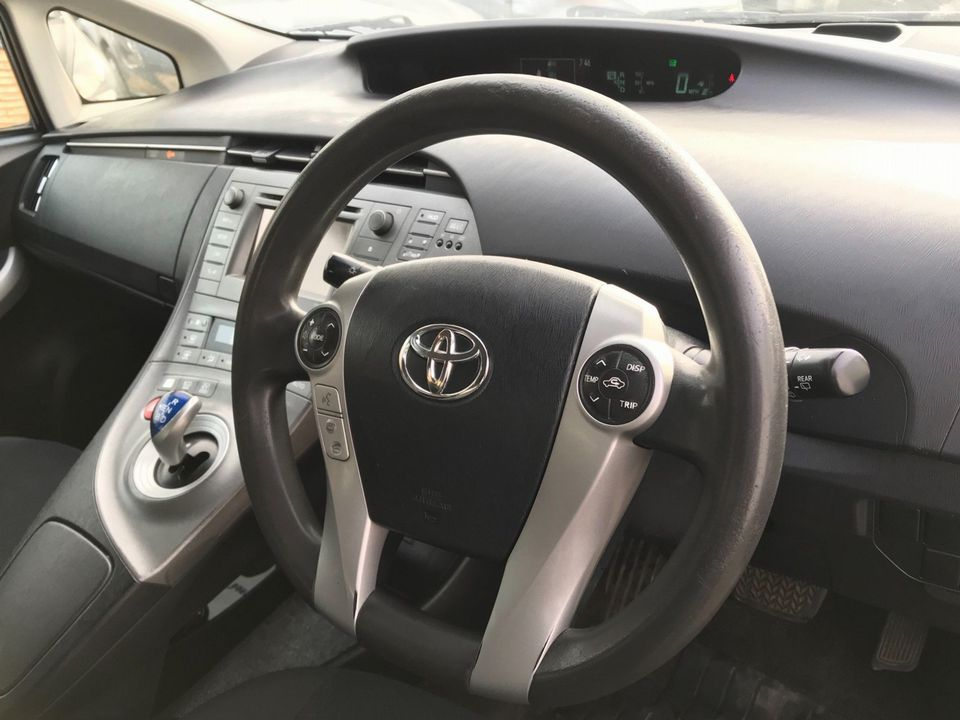 2013 Toyota Prius 1.8 VVT-h T3 CVT 5dr - Picture 14 of 42