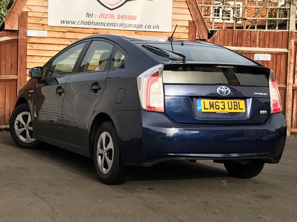 2013 Toyota Prius 1.8 VVT-h T3 CVT 5dr - Picture 6 of 42