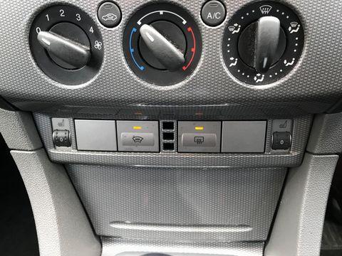2010 Ford Focus 1.6 Titanium 5dr - Picture 17 of 32