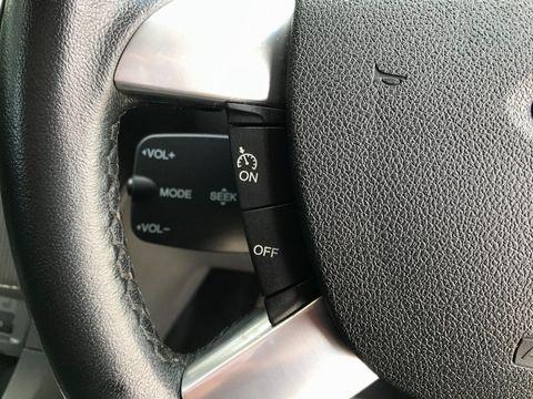 2010 Ford Focus 1.6 Titanium 5dr - Picture 21 of 32