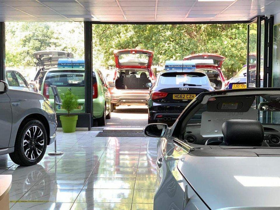 2010 Ford Focus 1.6 Titanium 5dr - Picture 23 of 32