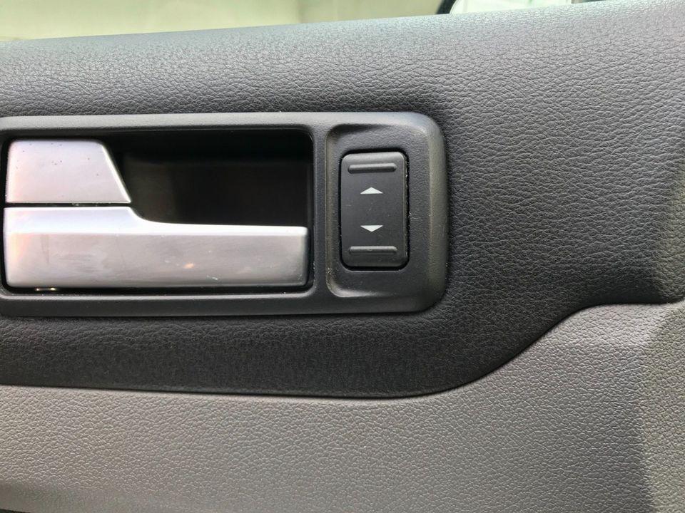 2010 Ford Focus 1.6 Titanium 5dr - Picture 29 of 32