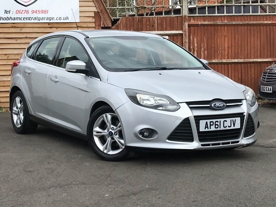 2012 Ford Focus 1.6 Zetec Powershift 5dr - Picture 1 of 33