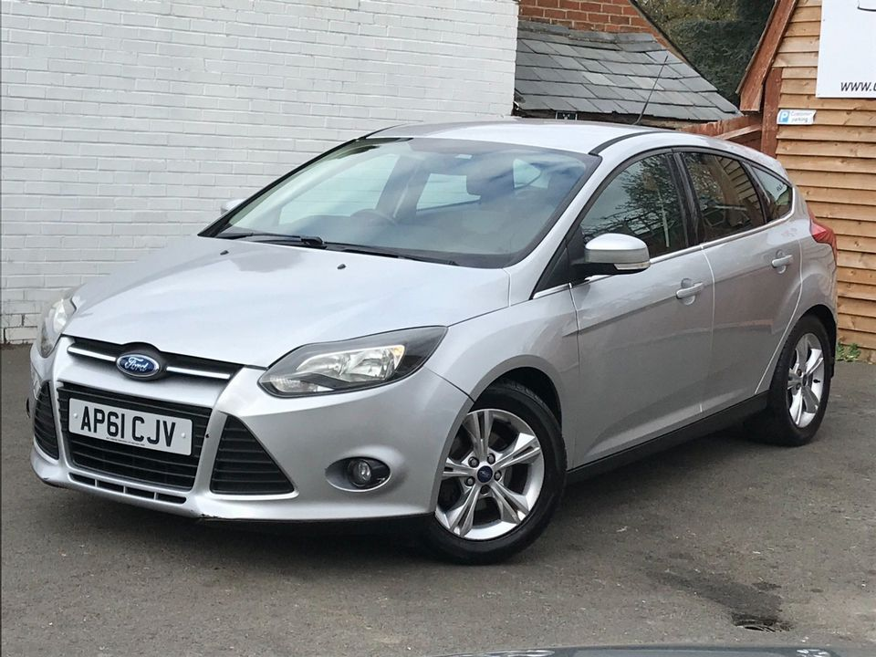 2012 Ford Focus 1.6 Zetec Powershift 5dr - Picture 5 of 33