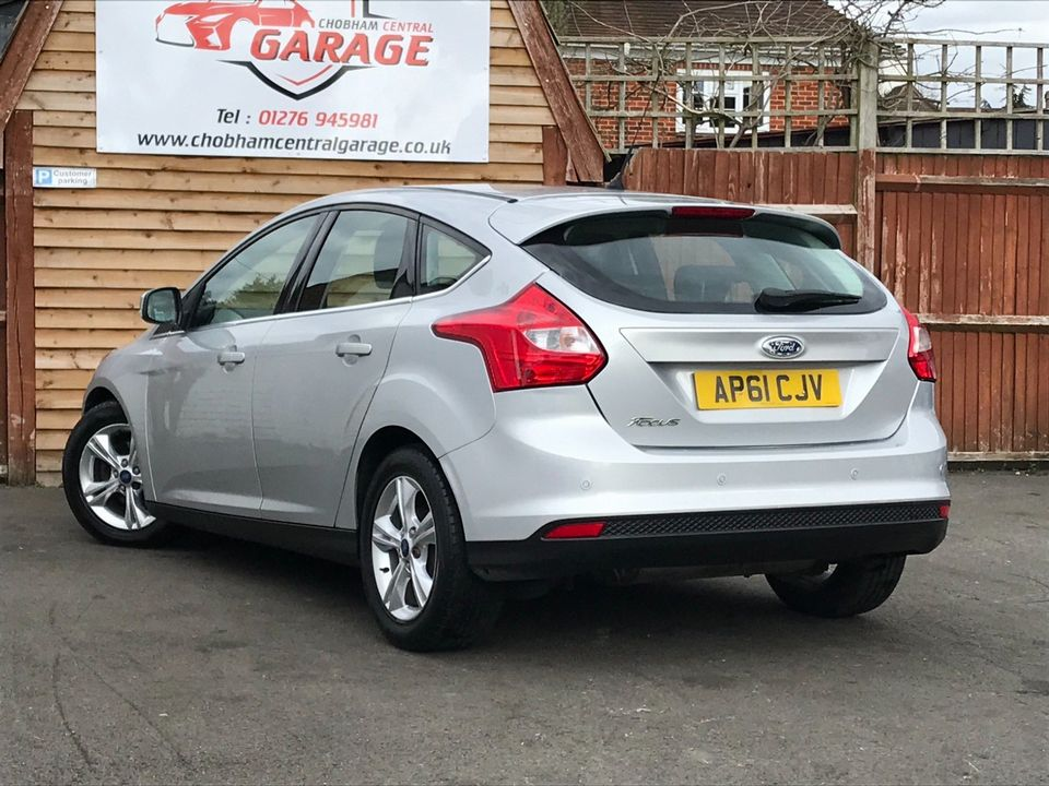 2012 Ford Focus 1.6 Zetec Powershift 5dr - Picture 6 of 33