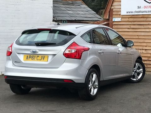 2012 Ford Focus 1.6 Zetec Powershift 5dr - Picture 9 of 33