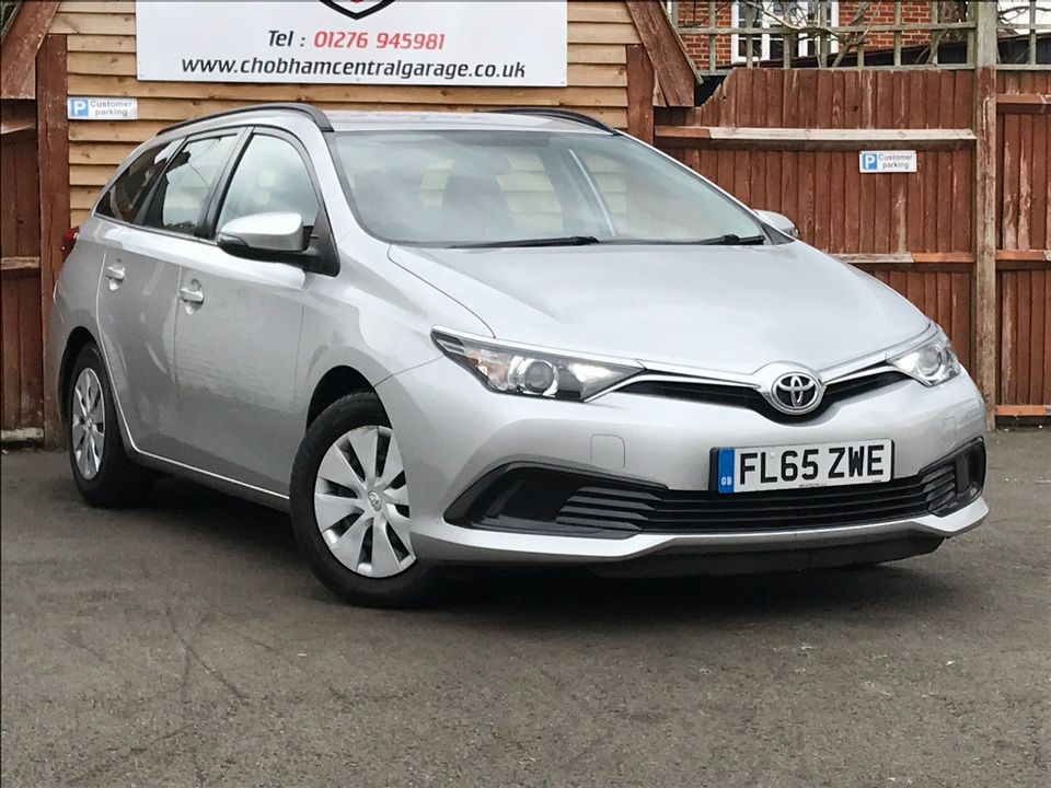 2015 Toyota Auris 1.4 D-4D Active Touring Sports (s/s) 5dr - Picture 1 of 32