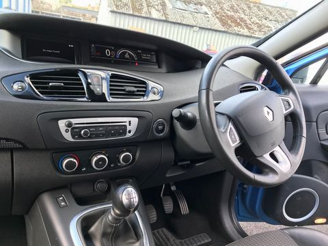 2012 Renault Grand Scenic 1.5 dCi Dynamique TomTom 5dr - Picture 13 of 32