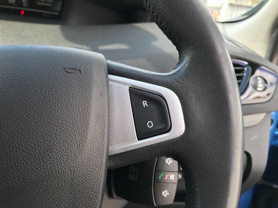2012 Renault Grand Scenic 1.5 dCi Dynamique TomTom 5dr - Picture 26 of 32