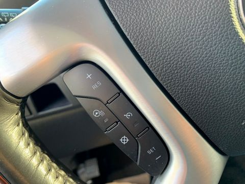 2012 Cadillac Escalade 6.2 V8 Sport Luxury SUV 5dr Petrol Automatic 4WD (383 g/km, 409 bhp) - Picture 14 of 37