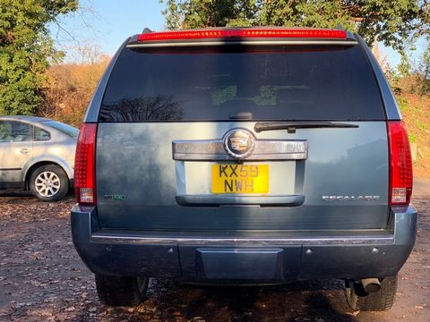2012 Cadillac Escalade 6.2 V8 Sport Luxury SUV 5dr Petrol Automatic 4WD (383 g/km, 409 bhp) - Picture 31 of 37