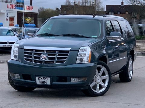 2012 Cadillac Escalade 6.2 V8 Sport Luxury SUV 5dr Petrol Automatic 4WD (383 g/km, 409 bhp) - Picture 3 of 37