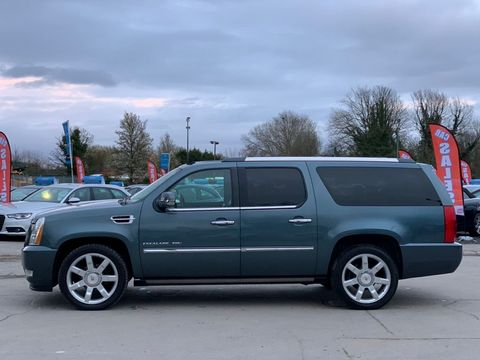 2012 Cadillac Escalade 6.2 V8 Sport Luxury SUV 5dr Petrol Automatic 4WD (383 g/km, 409 bhp) - Picture 4 of 37