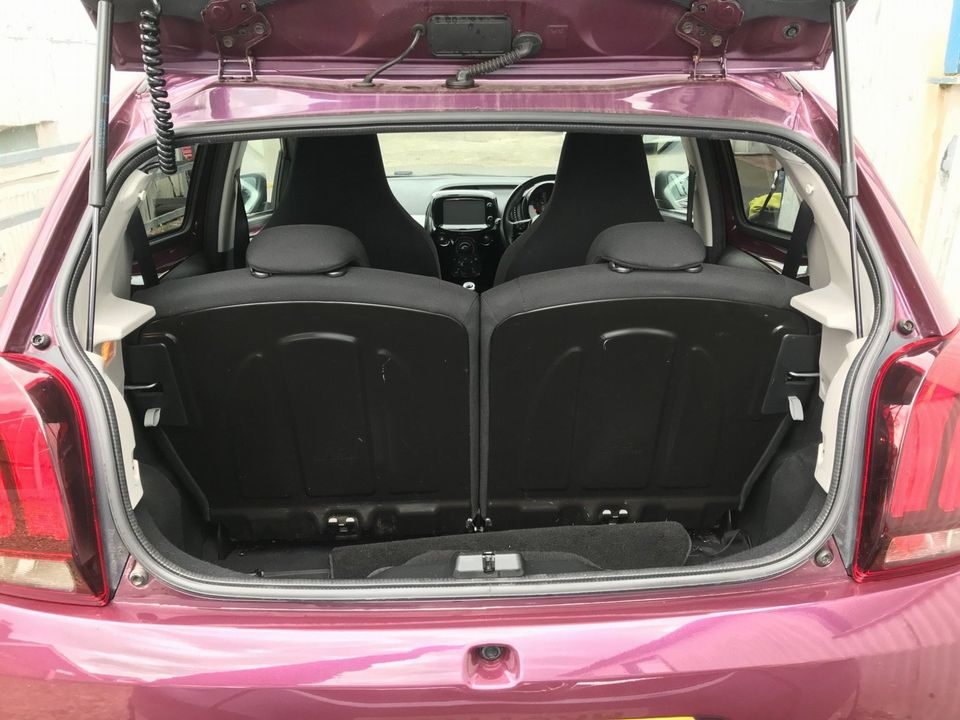 2015 Peugeot 108 1.2 PureTech Allure Top! 5dr - Picture 13 of 42